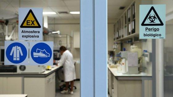 A morte no ensaio clínico em França aconteceu em janeiro