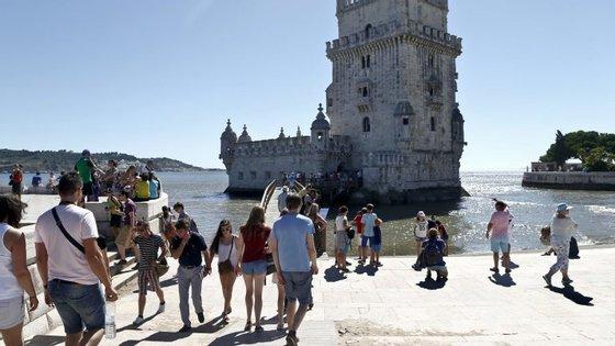 Em causa está o polémico serviço de alojamento local ou de curta duração, direcionado a turistas.