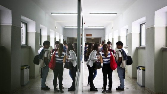 """Matosinhos aderiu ao programa """"Aproximar Educação"""", um projeto-piloto para a descentralização de competências na área da educação e formação para 13 municípios"""