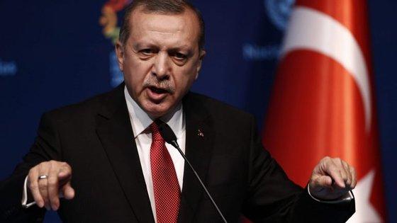 """""""Existe um claro crime de traição e o pedido [de reintrodução da pena de morte] não pode ser rejeitado pelo nosso Governo"""""""