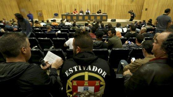 As negociações entre os estivadores do Porto de Lisboa e o Ministério do Mar decorriam desde janeiro