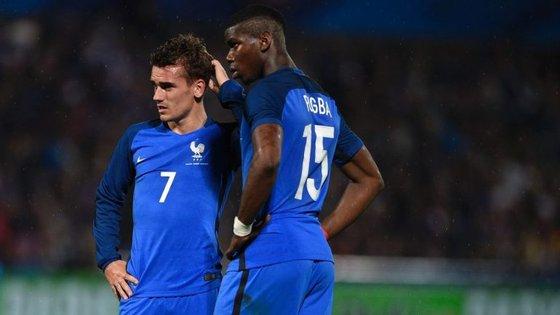 """Payet é bom. E até começou por ser o """"abre-latas"""" de França. Mas Griezmann e Pogba (na foto) não são """"bons""""; são dois dos melhores do Euro -- o """"sete"""" é mesmo o melhor"""