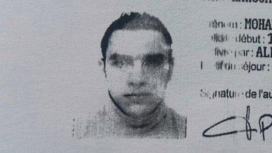 Cópia de cartão de identidade de Mohamed Lahouaiej Bouhlel