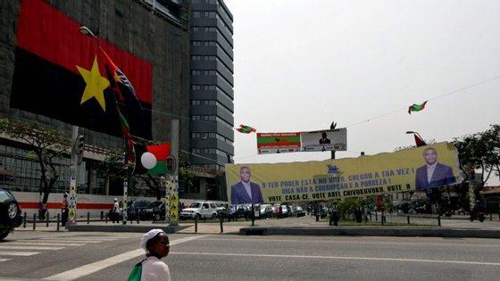 Angola produz 1,7 milhões de barris de crude por dia
