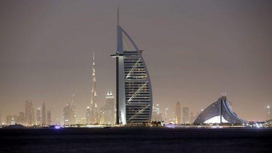 Nos Emirados Árabes, a Larus já mobilou Sharjah, capital da Cultura Islâmica, com quiosques, esplanadas e estruturas de ensombramento