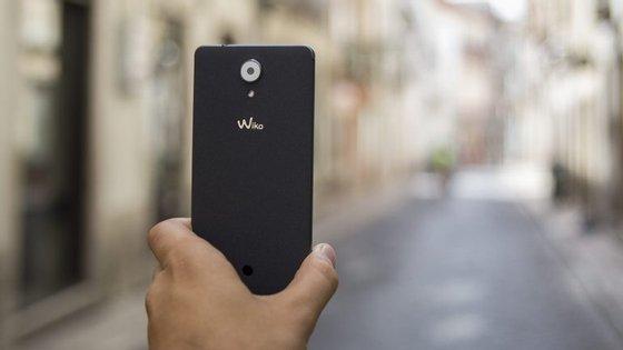O design e a textura traseira são dois dos pontos fortes do novo telemóvel da Wiko