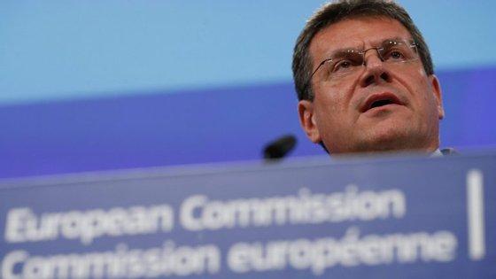 O vice-presidente da CE disse que os fundamentos apresentados por Portugal e Espanha, contra as sanções, estão a ser analisados