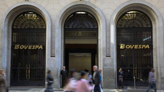 """""""A dívida está a crescer mais rápido do que o PIB e do que as reservas internacionais para muitos"""" países sul-americanos, informou a agência de notação financeira"""