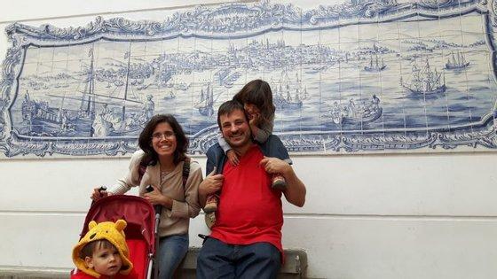 Este azulejo português está no coração do bairro da Candelaria, em Bogotá.