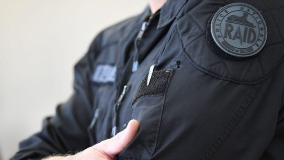 Elementos das forças especiais francesas RAID também participaram na operação antiterrorista