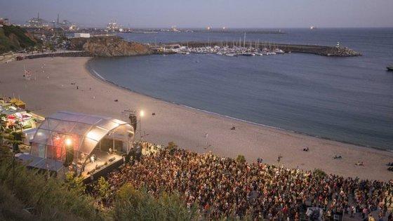 O festival vai começar em Porto Covo, com três dias de espetáculos, seguindo depois para Sines, onde ficará até 30 de julho