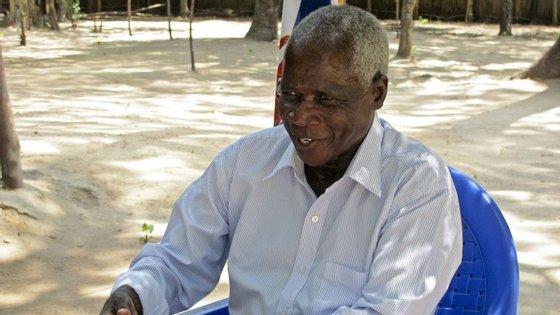 """""""Ainda não chegámos a um acordo, não nos reconciliámos, não nos entendemos, significa que, meses depois, voltaríamos ao conflito e estaríamos a dececionar o povo"""", disse Afonso Dhlakama"""