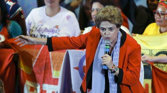 """Dilma Rousseff respondeu que não está preocupada com a questão, porque """"nunca"""" autorizou pagamentos não declarados a ninguém"""
