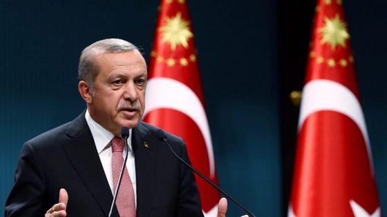 O presidente da Turquia argumentou que vai introduzir a pena de morte porque é uma exigência do povo turco