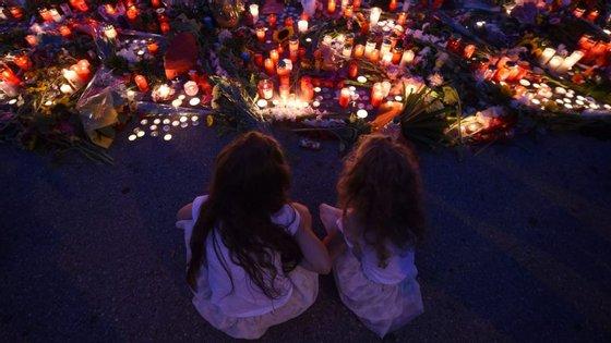 Homenagem às vítimas do tiroteio no centro comercial de Munique