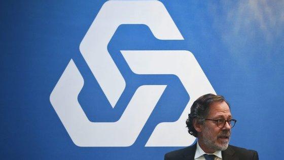 A equipa de gestão liderada por José de Matos pediu a Mário Centeno que enviasse um pedido formal
