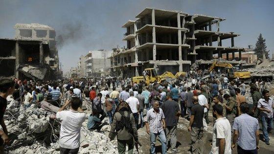 A explosão causou, além de 44 mortos e 140 feridos, danos estruturais nos edifícios locais
