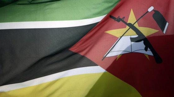 O embaixador brasileiro em Maputo disse esta quarta-feira que está a seguir este incidente com atenção