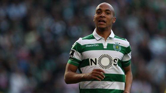 Apesar dos rumores acerca da sua relação contratual com o Sporting, João Mário regressou aos treinos com a equipa
