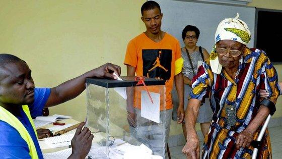 Num universo de 111.222 votantes, foram às urnas 71.524 eleitores, com uma abstenção de 35,69%