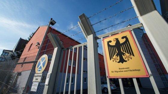 A explosão aconteceu a poucos metros do centro de refugiados de Zirndorf, na Alemanha