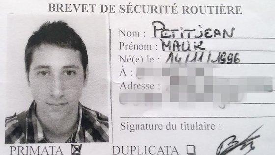 A carta de condução de Nabil Abdel Malik Petitjean foi encontrada em casa do outro terrorista abatido, Abed Kermiche