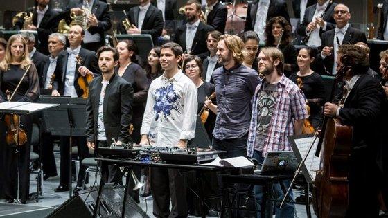 Logo após o concerto, Gabriel Prokofiev veste a pele de DJ e junta-se a DJ Switch no Café Casa da Música