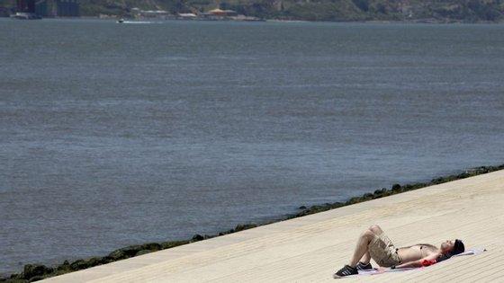 Temperaturas máximas descem este fim de semana. Em Lisboa, este sábado, não irão além dos 26, segundo o IPMA
