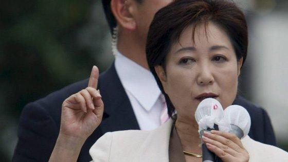 Abe prometeu eliminar a discriminação contra as mulheres no mundo laboral, num país onde sete em cada dez mulheres abandona o mercado de trabalho depois de terem filhos.