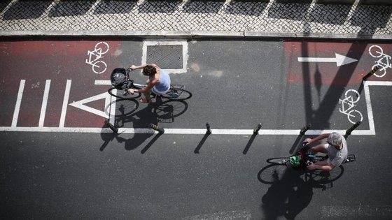 """""""Há cerca de 60 quilómetros de ciclovias em Lisboa, mas vários [troços] estão em obras"""", disse à Lusa João Camolas, assessor do vereador José Sá Fernandes"""
