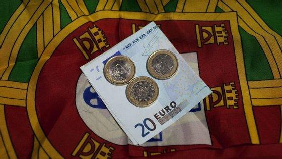 A dívida pública líquida de depósitos da administração central registou um aumento de 2,8 mil milhões de euros