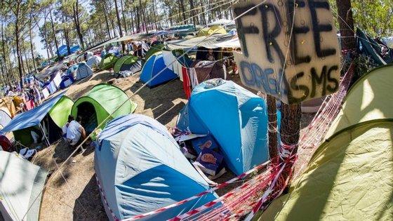 Há festivaleiros que já acampam no recinto desde sábado