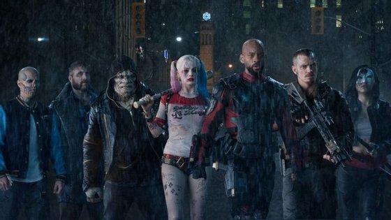"""""""Esquadrão Suicida"""": psicopatas, assassinos profissionais, ladrões, mutantes e aberrações são os novos heróis"""