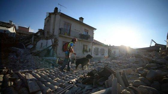 O sismo ocorreu na madrugada de quarta-feira