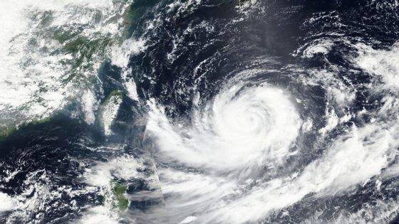 Imagem disponibilizada pela NASA do Tufão Lionrock