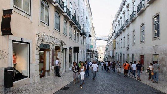 De zero a 10, os portugueses dão um 5,1 na maneira como avaliam a sua satisfação para com a vida