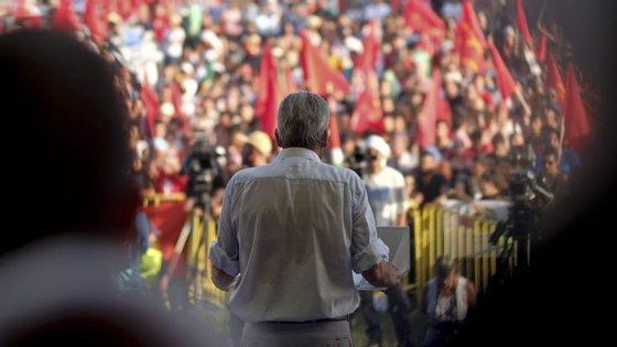 """""""A questão da sucessão não se coloca neste Congresso"""", assume Edgar Silva"""