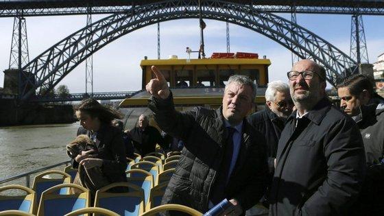 O presidente da câmara de Vila Nova de Gaia, distrito do Porto, falava aos jornalistas à margem de uma Assembleia Municipal