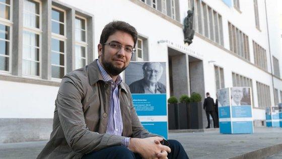 Hugo Macedo estudou Matemática e Ciências da Computação na Universidade do Minho