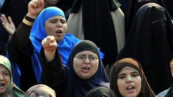 """""""Eu não fiz uma exigência, eu fiz uma sugestão"""", defendeu-se o deputado egípcio Ilhamy Agina"""