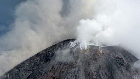 O vulcão de Colima fica situado a 3.900 metros de altitude