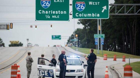 Os Estados da Florida, Georgia e Carolina do Sul também estão em estado de emergência