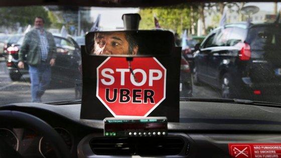 Manifestação de segunda-feira vai colocar seis mil táxis nas ruas de Lisboa em marcha lenta