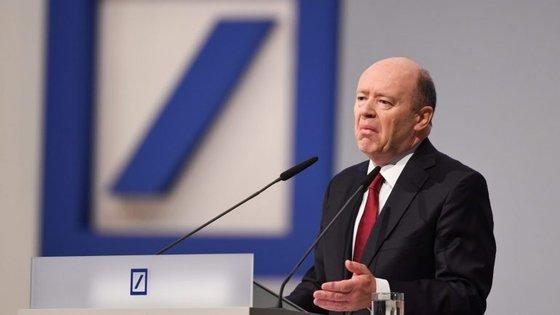 John Cryan reconheceu que a valorização das ações, nos últimos meses, foi um fator decisivo para avançar com o aumento de capital.