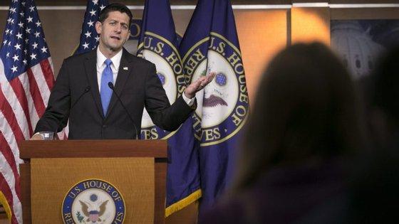 Mas, ainda assim, Paul Ryan não retira o seu apoio ao candidato republicano
