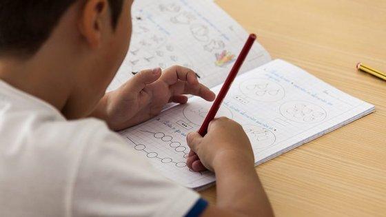 O objetivo da medida é a reutilização dos manuais, que devem ser devolvidos às escolas no final do ano