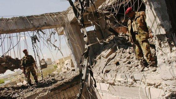 Em Mossul, estima-se que estão entre 3 mil a 8 mil combatentes do grupo