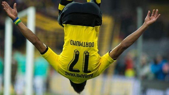 Aubameyang entorta qualquer um; daí que seja o melhor marcador do Dortmund, com 8 golos