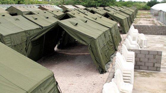 """Amnistia Internacional denuncia o centro de Nauru, Austrália, como sendo uma """"prisão a céu-aberto"""""""