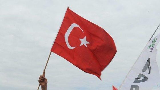 No último ano, a Turquia foi atingida por diversos ataques terroristas, relacionados com o Estado Islâmico e com o PKK
